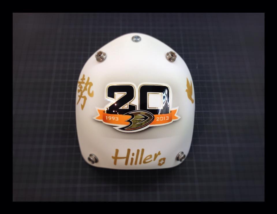 hiller20thmask03.jpg